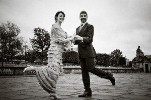 Romantic photos by Paris photographer at TripShooter: couple photo at Place de la Concorde