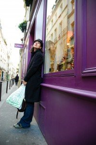 Tourist shopping in the Marais Paris France - take a vacation photographer!