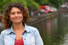 TripShooter Vacation Photographer sample portrait of tourist in Amsterdam