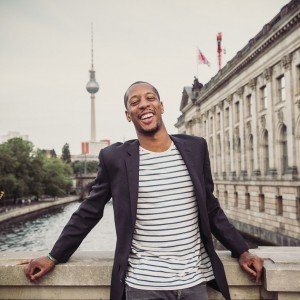 Berlinisco TripShooter Vacation Photographer in Berlin Germany - relaxed solo traveller smiling