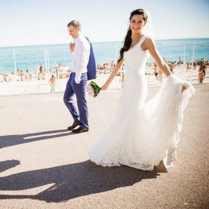 Didier Ours TripShooter Vacation Photographer in Nice France - romantic couple destination wedding photo
