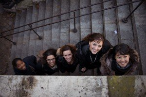 Photos of friendship and travel with five students by TripShooter Vacation Photographer in Paris
