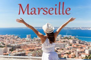 TripShooter Vacation Photographer Marseille Button woman spreading arms over Port