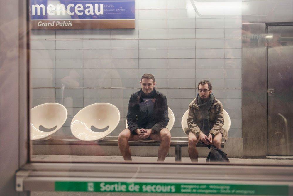 TripShooter Photos of No Pants Subway Paris