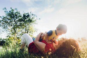 Family and children photos on Italy vacation by Milan photographer Alessandro Della Savia