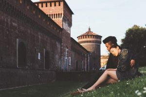 Photos in Italy for couples by Milan photographer Alessandro Della Savia