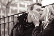 TripShooter - Kissing Couple