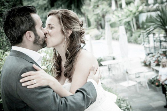 Kissing couple in Italy (Photographer: Vittore Buzzi)