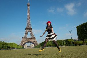 Paris Springtime Photo Session - Portrait Eiffel Tower Champ de Mars