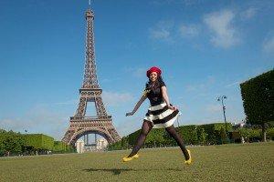 Paris Springtime Photo Session - Portrait Eiffel Tower Champ de Mars
