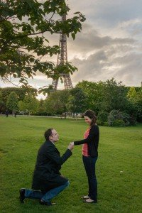 Suprise marriage proposal in Paris