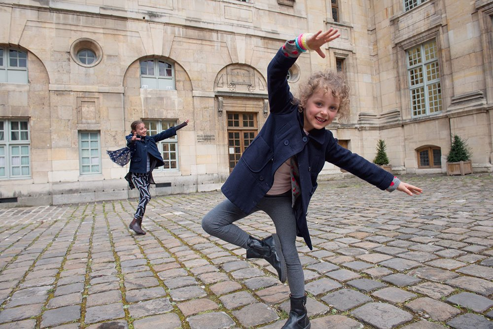 Photo dancing in the Marais - by vacation photographer in Paris, TripShooter