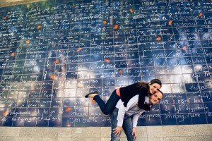 """Romantic Paris portrait at the """"I Love You"""" Wall by Paris photographer Jade Maitre for TripShooter"""