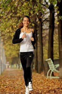 Woman running in Paris park by Pierre Turyan, TripShooter Paris Photographer