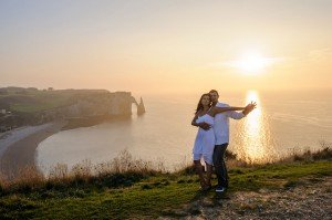 Romantic couple photo in Normandy, France, by Pierre Turyan, TripShooter Paris Photographer