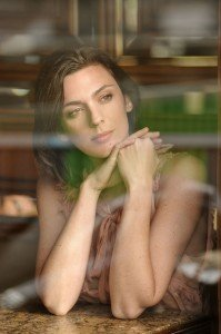 Portrait of thoughtful woman on vacation by Pierre Turyan, TripShooter Paris Photographer