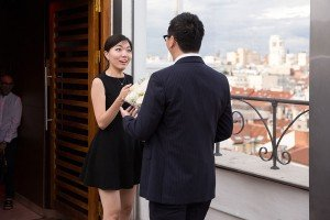 Couple capture surprise wedding proposal with TripShooter Madrid Photographer Ludovic Magnoux