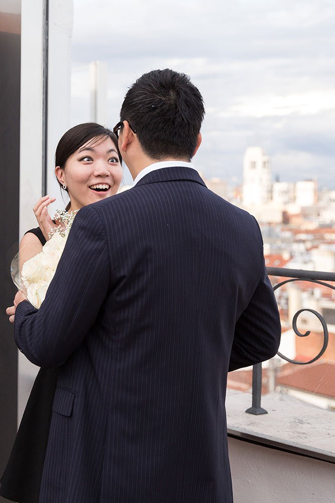 She said yes: Surprise marriage proposal captured by TripShooter Madrid Photographer Ludovic Magnoux