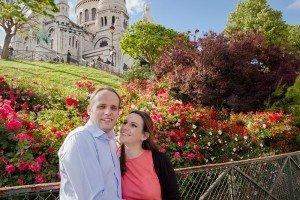 Romantic couple portrait at Sacre Coeur in Montmartre by Paris photographer jade Maitre