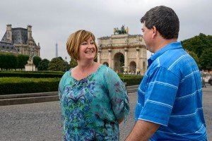Mum and Dad on family vacation at Tuileries by TripShooter Paris photographer Pierre