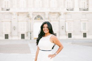 Beautiful woman smiling in Madrid square by TripShooter Madrid photographer Laura Emme