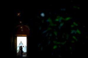 Romantic photo shoot in Rome by TripShooter Rome Photographer Alessandro Iasevoli