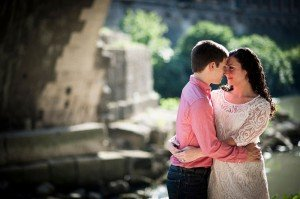 Engaged couple on Roman holiday by TripShooter Rome Photographer Alessandro Iasevoli