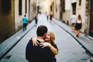 Romantic couple photo with a TripShooter Florence photographer