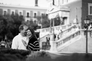 Beautiful vacation photo of couple in Madrid, by TripShooter Madrid Photographer Ludovic Magnoux