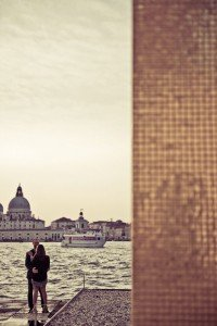 Couple in Venice by TripShooter Venice photographer Selene Pozzer