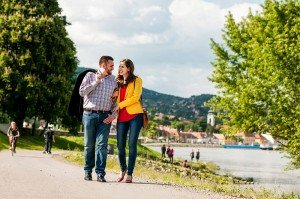 Couple photos on vacation by the lake, by TripShooter Budapest photographer Melinda Guerini Temesi