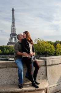 Romantic photos at the Eiffel Tower, by TripShooter's photographer in Paris Pierre Turyan