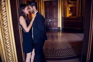 Destination wedding couple kiss in Paris, by Paris photographer Jade Maitre
