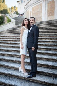 Couple on Roman steps, photo by TripShooter Rome photographer Alex Marchese.