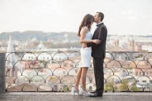 Formal couple kiss at Roman lookout, photo by TripShooter Rome photographer Alex Marchese