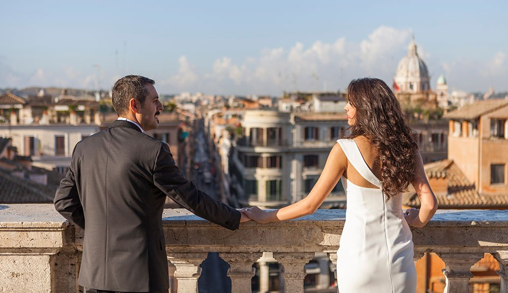 Romantic couple share view over Rome, photos by TripShooter Rome photographer Alex Marchese