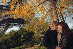 Romantic Paris photoshoot by Paris photographer Jade Maitre