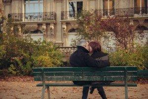 Romantic Paris photoshoot by Paris photographer Jade Rivière