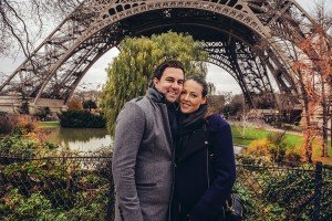 Happy holidays in Paris with a romantic photoshoot, photo by TripShooter Paris photographer Pierre Turyan
