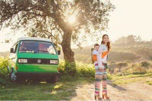 Hippy mother and child by green combie, by TripShooter photographers in Lisbon, Maya and Miguel Attinello