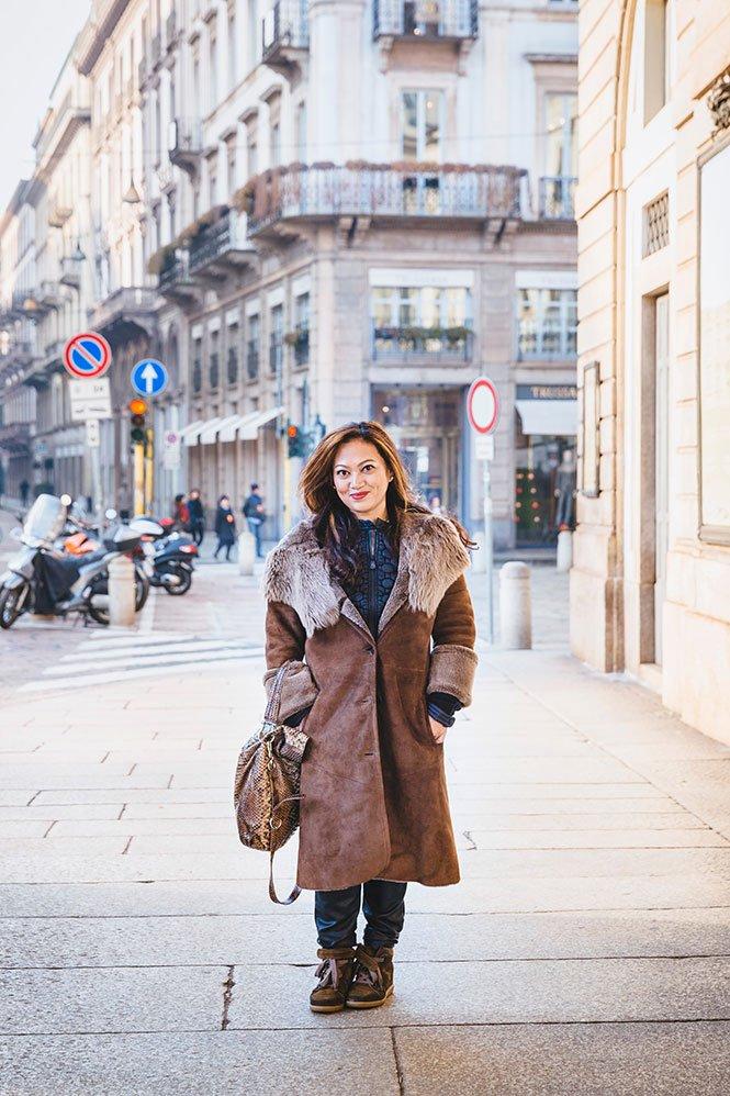 Tourist on fashion photoshoot in Milan by TripShooter photographer Alessandro Della Savia