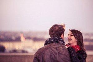 Travel couple smile on Vienna vacation - photo by TripShooter's Vienna photographer Evamaria Kulovits