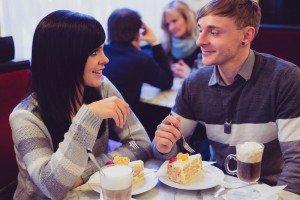 Travel couple tasting local cuisine in Austria, by TripShooter's Vienna photographer Evamaria Kulovits