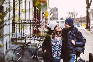 Couple in love on holiday in Amsterdam, by TripShooter's Amsterdam photographer Elena Pasca and Radu Voineau