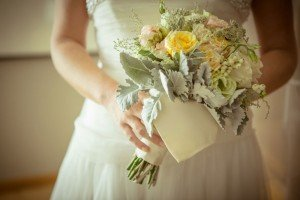 Bridal bouquet in yellow by TripShooter Rome photographer Silvia Cleri