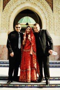 Wedding party photo at Paris mosque by TripShooter photographer in Paris Clara Abi Nadar