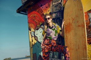 Fashion photo of woman and colourful wall by TripShooter's Amsterdam photographer Radu Carnaru