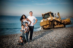 Fun travel photos and family portraits in Nice by Nice photographer for TripShooter in South of France, Didier Ours