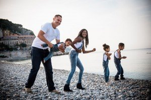 Photos for fun family travelers in Nice by French photographer for TripShooter, Didier Ours