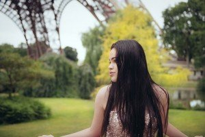 Stunning quinceanera photos in Paris by TripShooter's Paris photographer Jade Riviere
